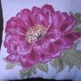 牡丹の花の絵クッション