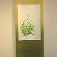 春蘭の花のタペストリー 白帯地絹100% 麻100%の布