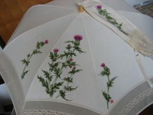 野アザミの花 (白のレースパラソル)