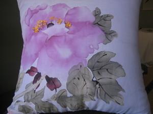 ぼたんの花の絵クッション