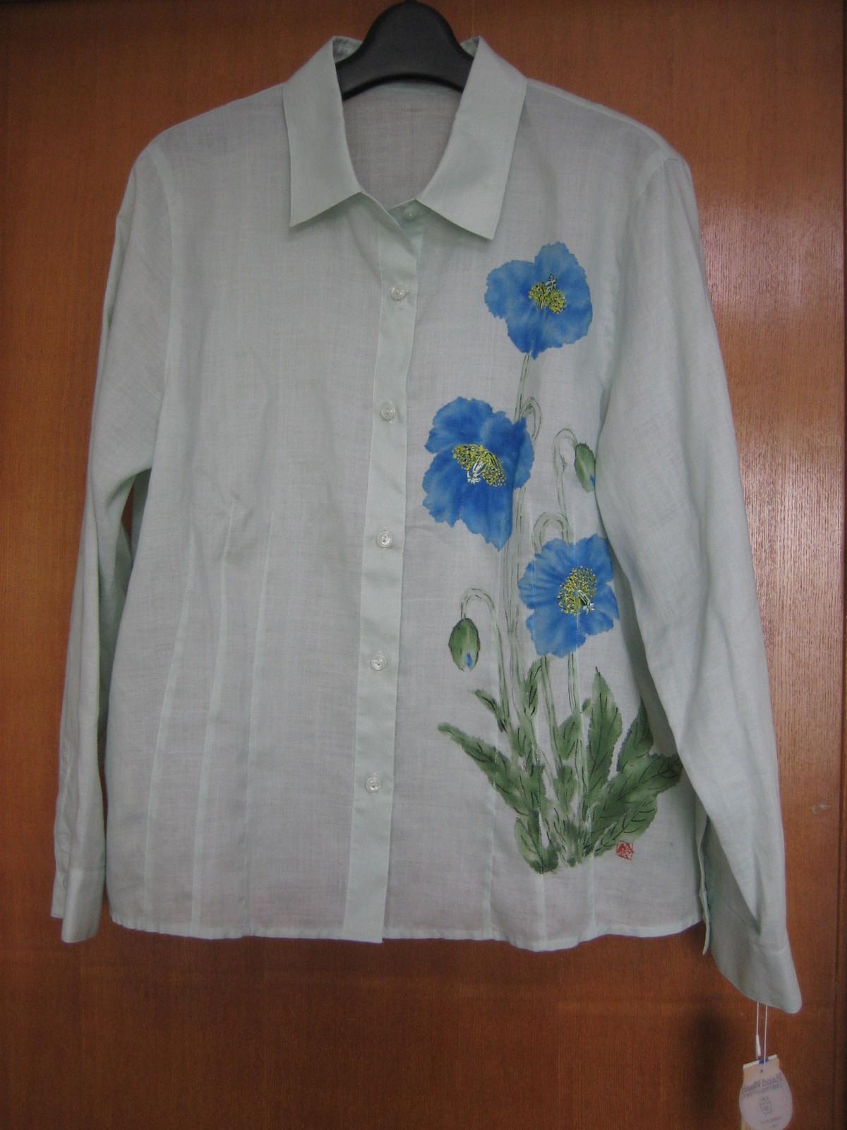 ヒマラヤ芥子の花のブルーのブラウス (麻50% 綿50%)