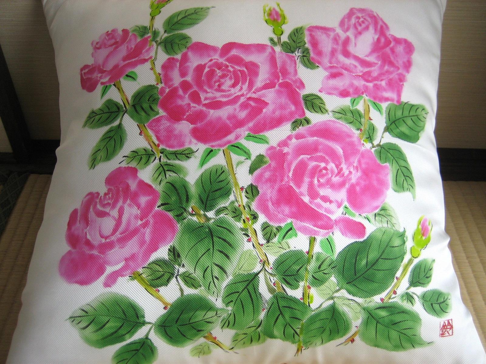 ピンクのバラのクッション