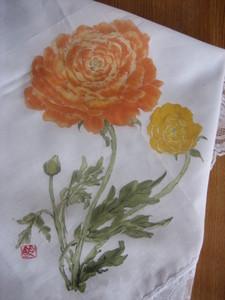 レースの付いたひざ掛けハンカチ(ラナンキュラスの花)