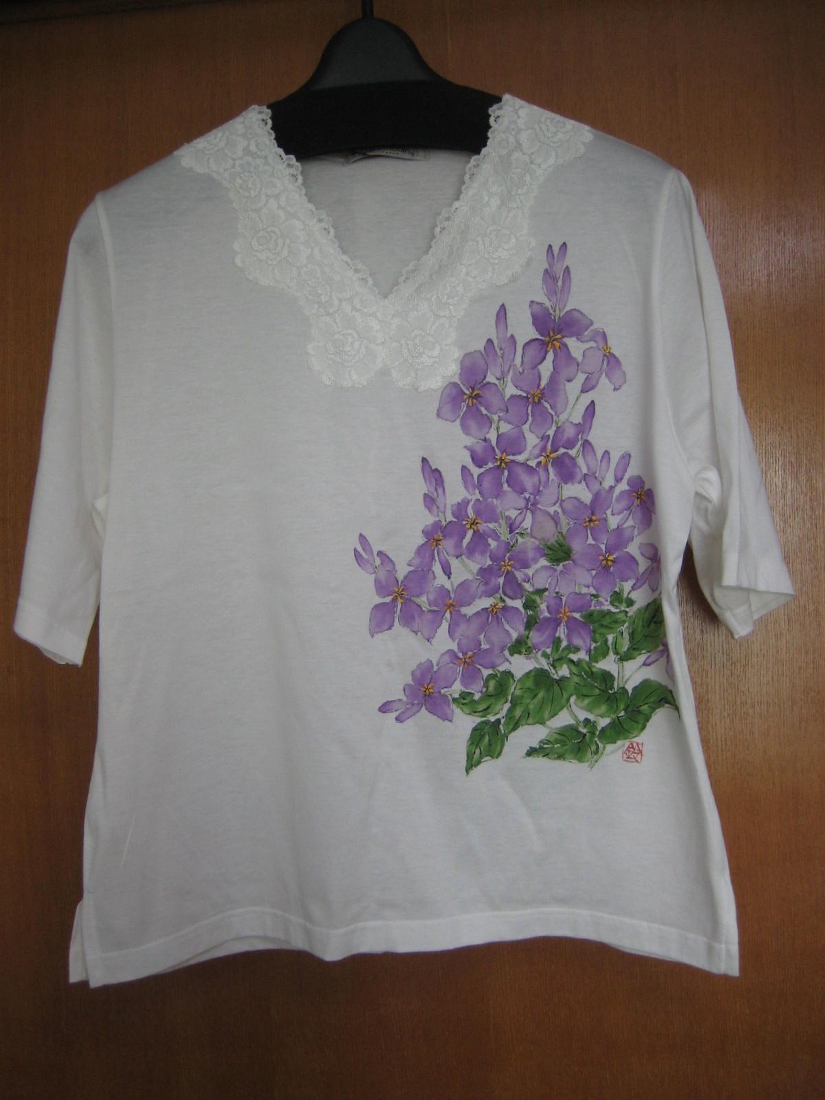 ムラサキハナナの花(諸葛菜)のTシャツ